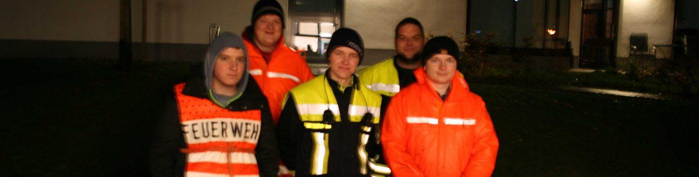 Feuerwehr begleitet Martinsumzug